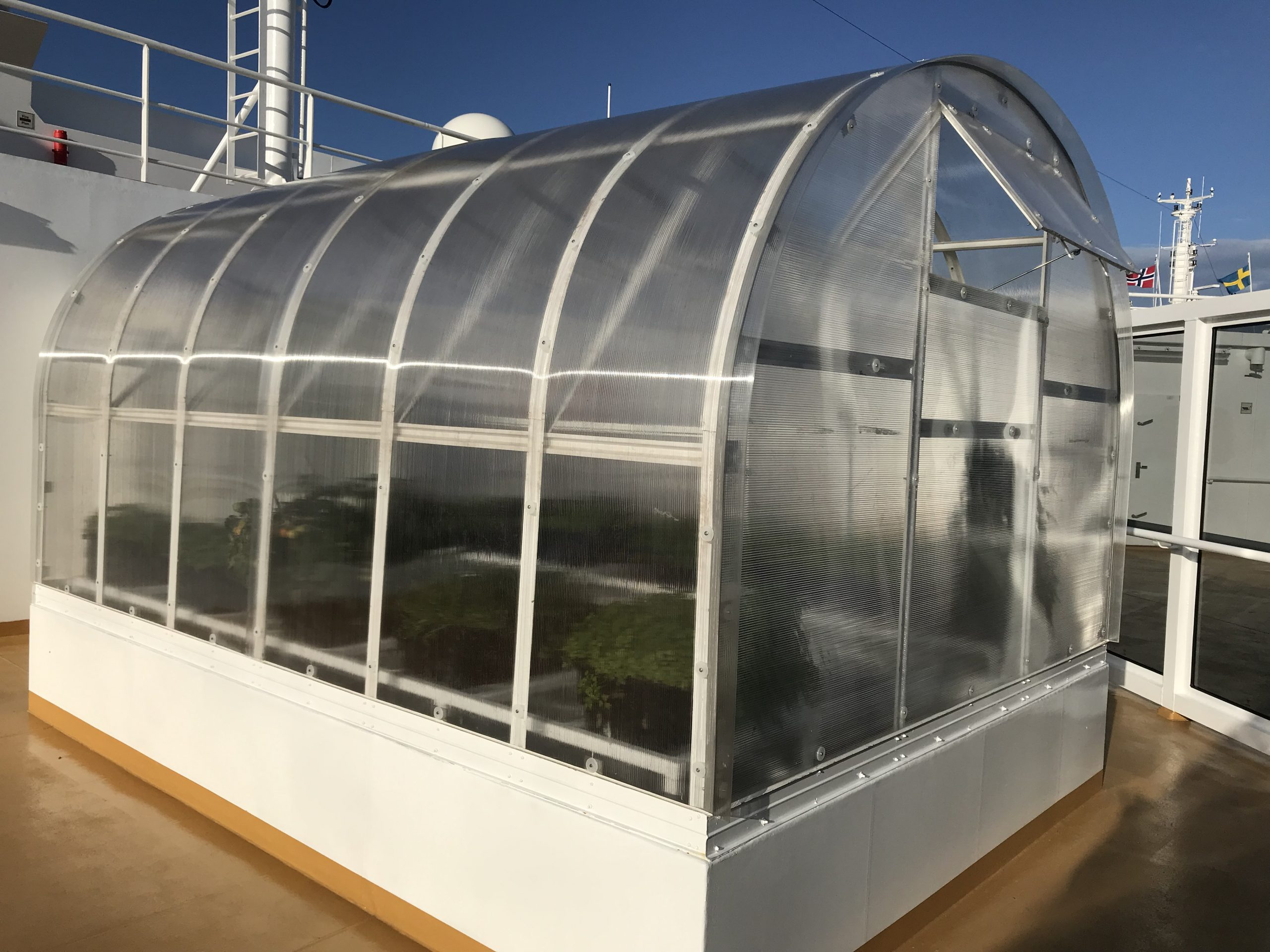Växthuset Arched Klassisk på toppen avColor Hybrid